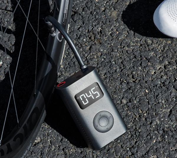 Xiaomi представила электронный компрессор для накачки шин автомобилей, велосипедов и футбольных мячей