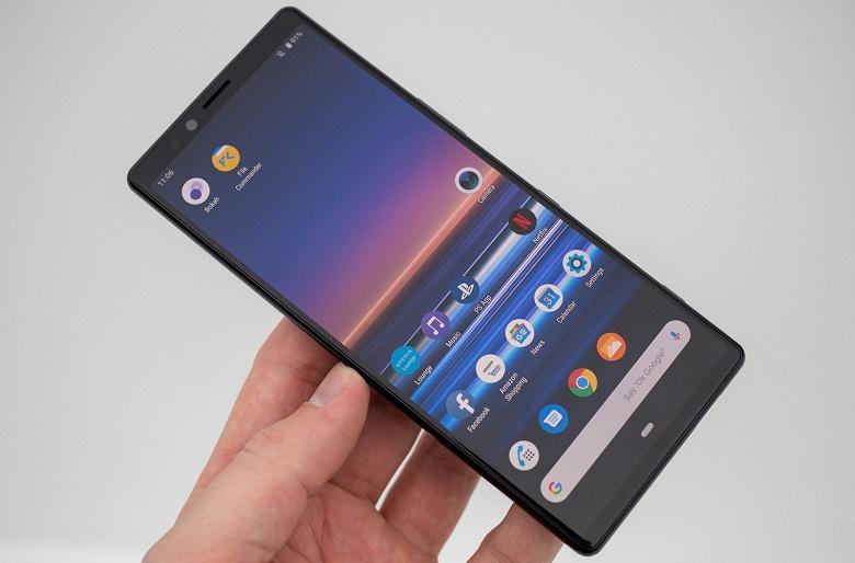 Представленный в феврале флагман Sony Xperia 1 с вытянутым дисплеем поступит в продажу 26 апреля