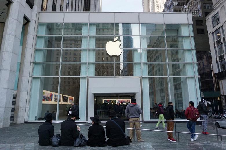Самый известный фирменный магазин Apple кишит клопами