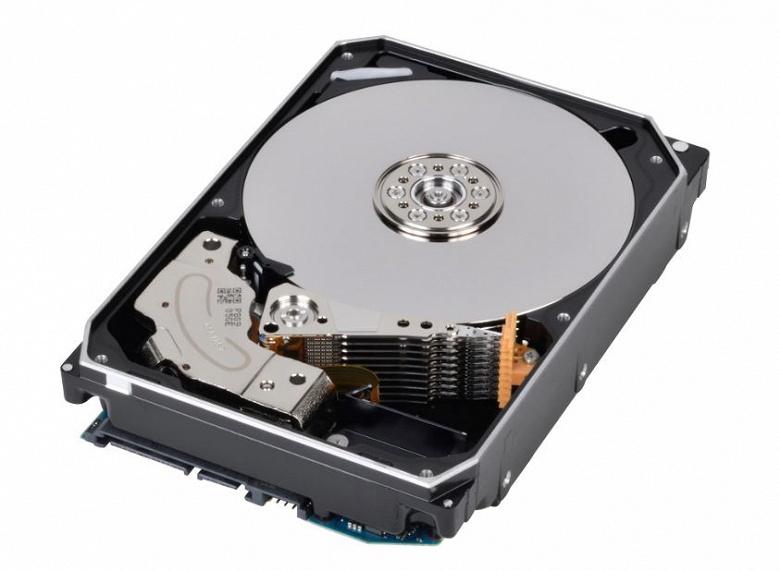 Поставки HDD за год сократились на 18% - 1