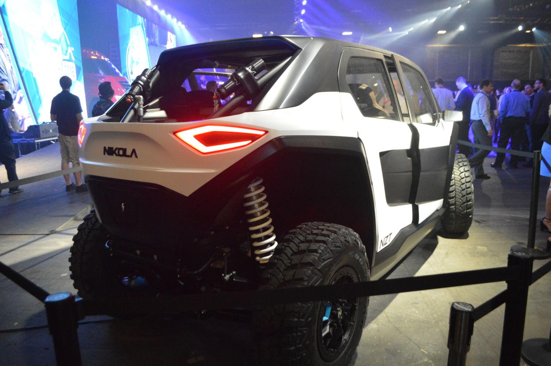 Компания Nikola Motor представила два электрогрузовика и кое-что еще - 4