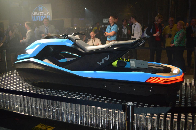 Компания Nikola Motor представила два электрогрузовика и кое-что еще - 7