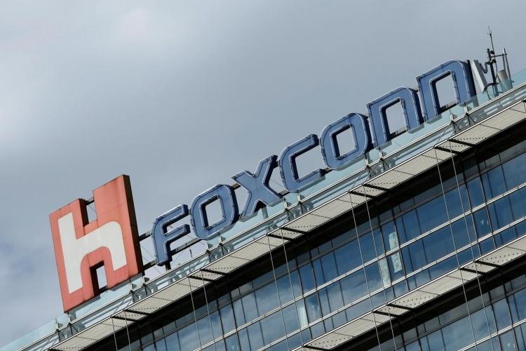 Foxconn по-прежнему намерена строить завод в Висконсине, хотя штат собирается уменьшить льготы
