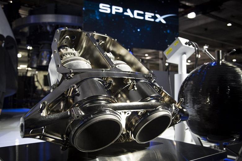 Во время испытаний космического корабля SpaceX Crew Dragon произошла авария