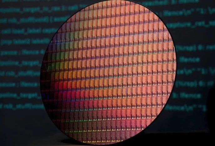 Intel представила два новых CPU с базовыми частотами 1,6 и 1,8 ГГц