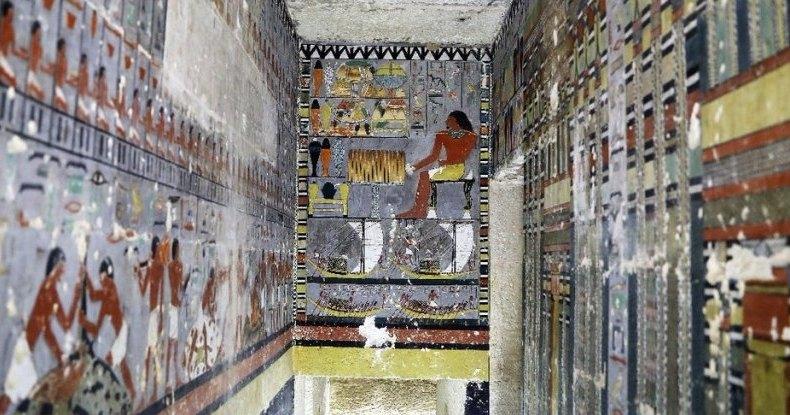 Найдена гробница с отлично сохранившимися фресками: прошлое в цвете