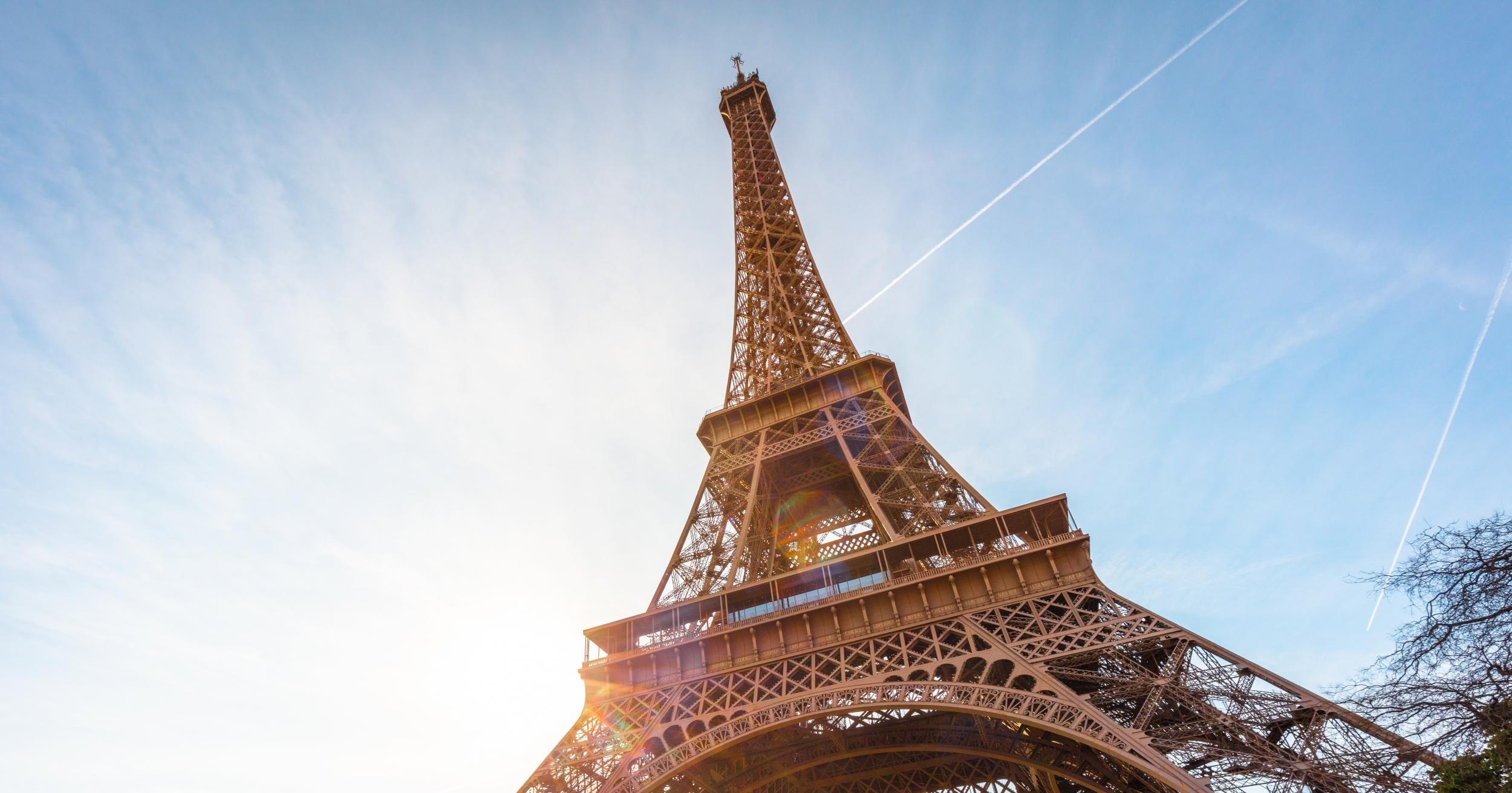 Можно ли сделать Эйфелеву башню из магнитов