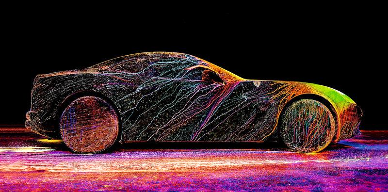 Краски, взрывы и дорогие машины: гибкое время Фабиана Офнера