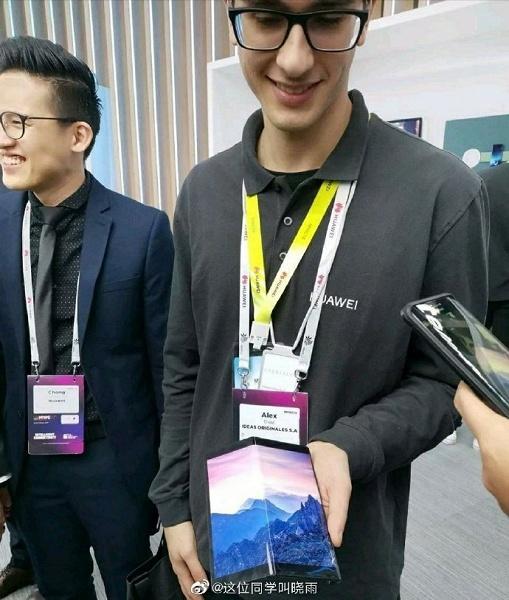 Фото дня: прототип доступной версии складного смартфона Huawei Mate X вживую