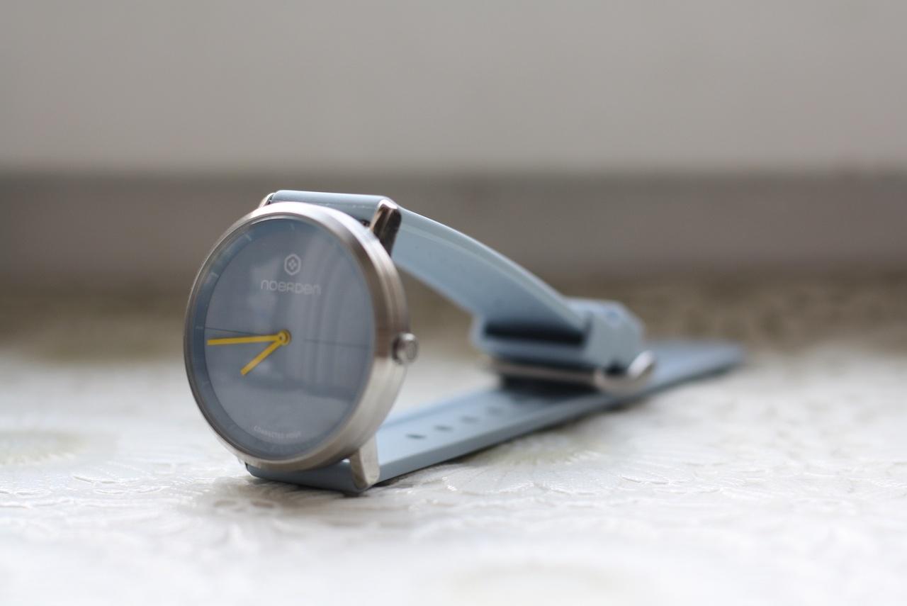 Noerden Life2 — аналоговые часы с «жестовым» управлением и «сенсорным» стеклом - 15