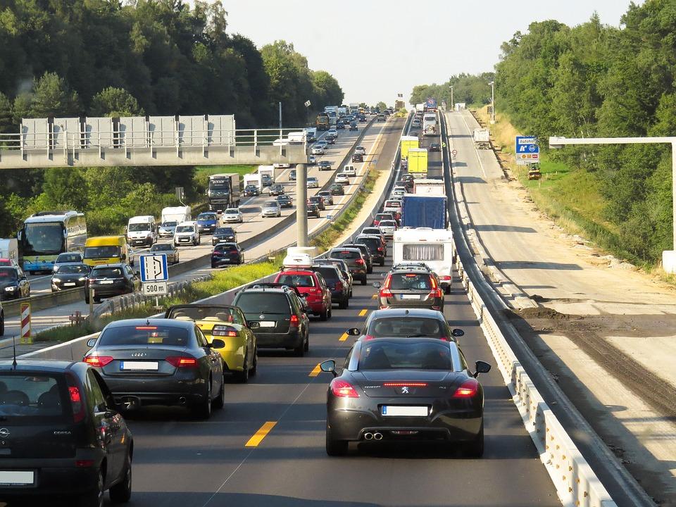 Почему дорожное движение внезапно превращается в пробку - 1