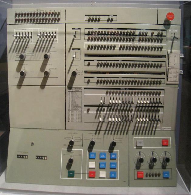 55 лет спустя: культовые консоли легендарных мейнфреймов IBM System-360 - 11