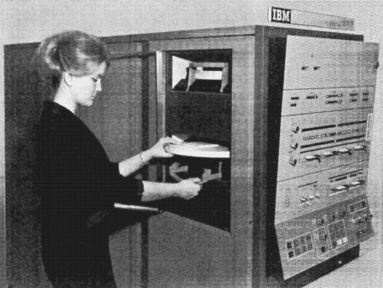 55 лет спустя: культовые консоли легендарных мейнфреймов IBM System-360 - 14
