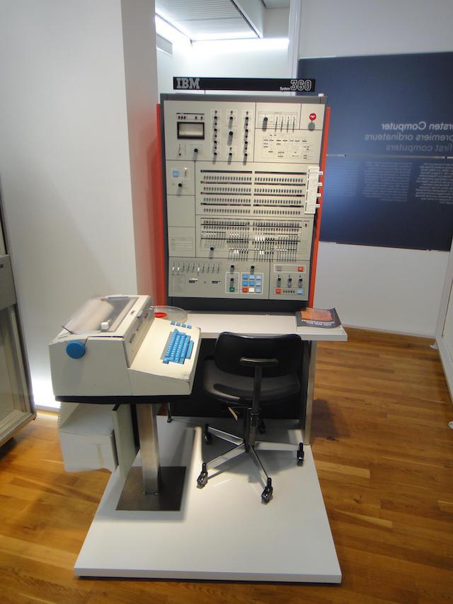 55 лет спустя: культовые консоли легендарных мейнфреймов IBM System-360 - 15