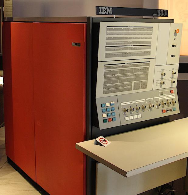 55 лет спустя: культовые консоли легендарных мейнфреймов IBM System-360 - 2