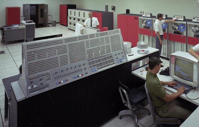 55 лет спустя: культовые консоли легендарных мейнфреймов IBM System-360 - 23