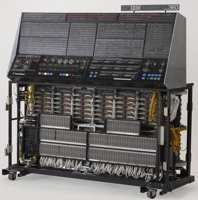 55 лет спустя: культовые консоли легендарных мейнфреймов IBM System-360 - 24