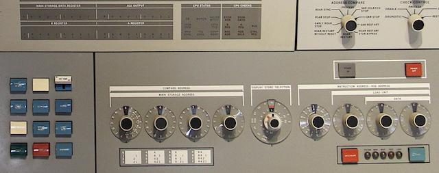 55 лет спустя: культовые консоли легендарных мейнфреймов IBM System-360 - 4