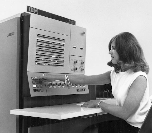 55 лет спустя: культовые консоли легендарных мейнфреймов IBM System-360 - 9