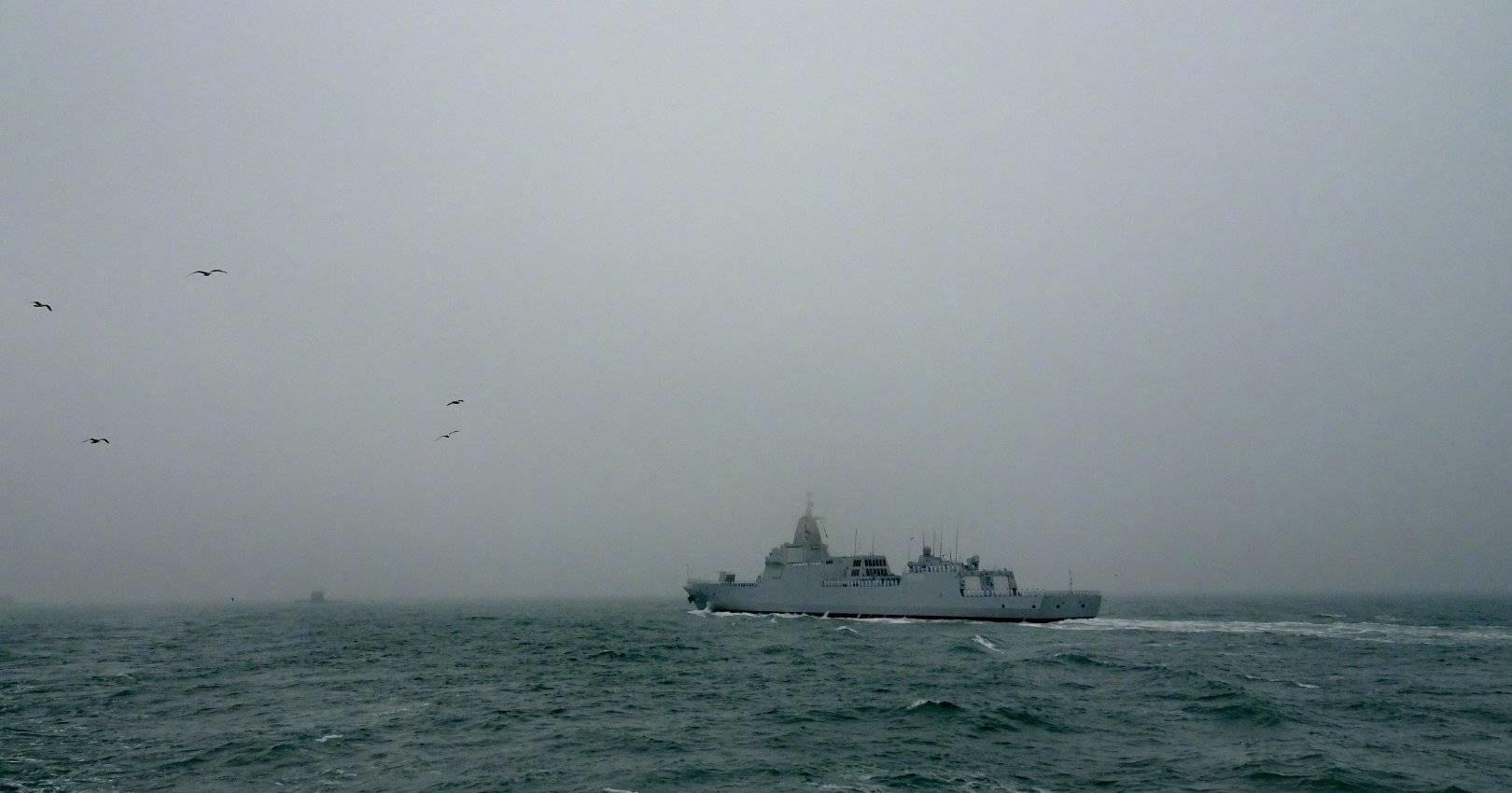 Китайцы показали самый крупный эсминец: видео