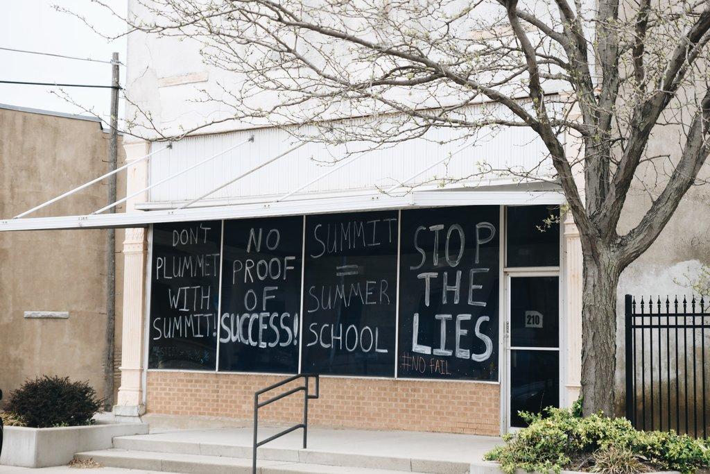 Кремниевая долина пришла к канзасским школьникам. Это привело к протестам - 2
