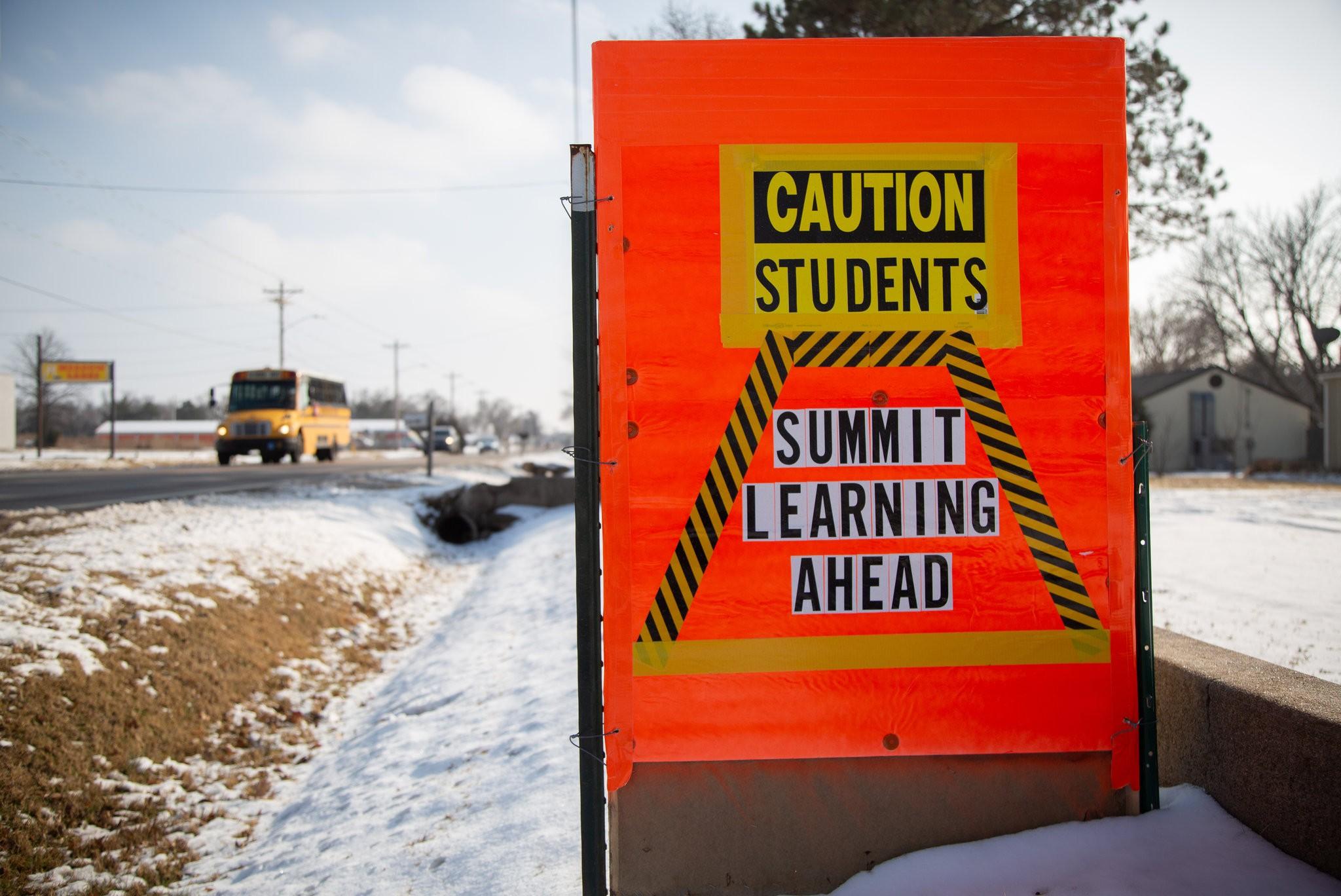 Кремниевая долина пришла к канзасским школьникам. Это привело к протестам - 1