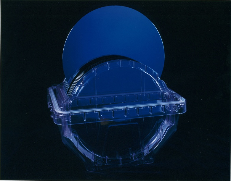 Поставки кремниевых пластин за год сократились на 5,6% - 1