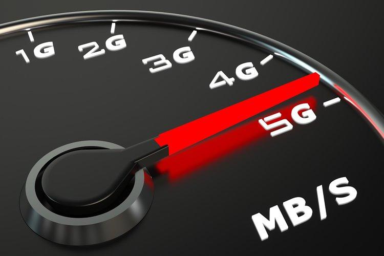 У желающих опробовать 5G появился выбор. Huawei, Oppo и Xiaomi начинают продажи 5G-смартфонов в Европе