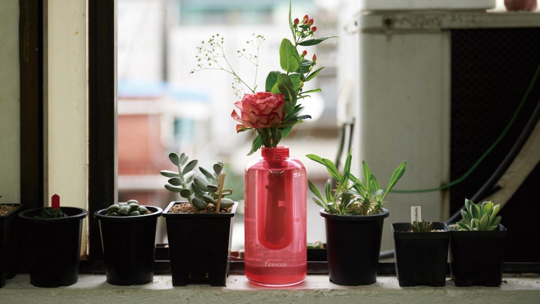 Samsung разработала «бросаемую» вазу, которая одновременно служит огнетушителем - 1