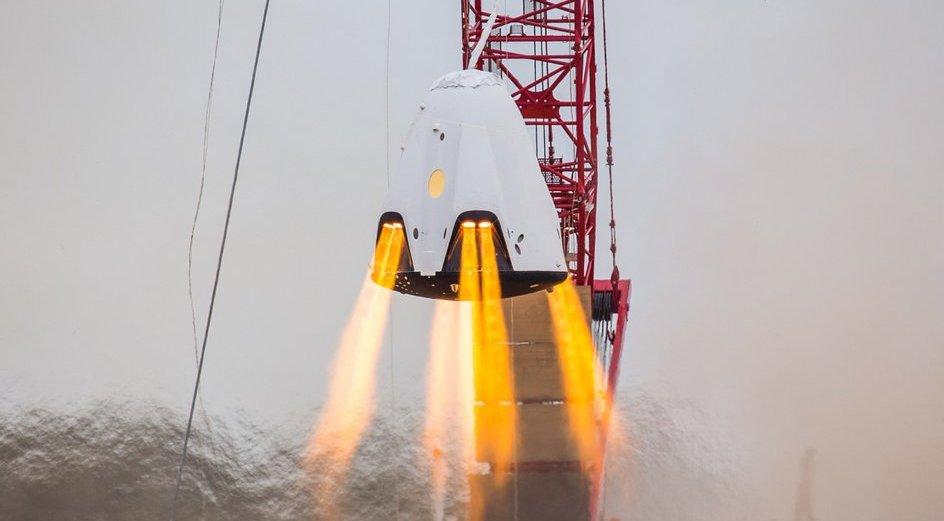 SpaceX признала уничтожение пилотируемого корабля Crew Dragon в результате взрыва - 1