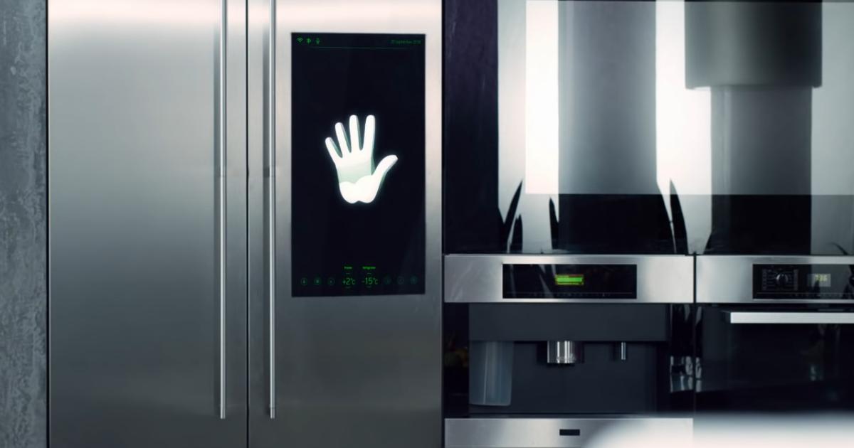 Умный холодильник от Сбербанка: полезный гаджет или узурпатор?
