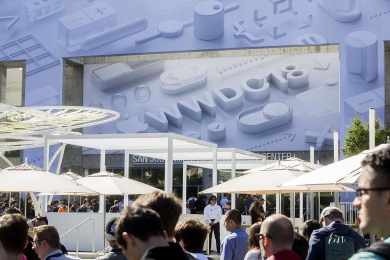 В июне Apple может показать новый модульный ПК Mac Pro и огромный монитор