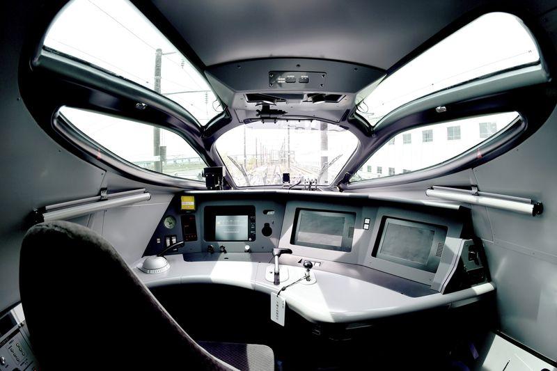 Японская компания представила самый быстрый в мире поезд, его скорость 400 км-ч - 2