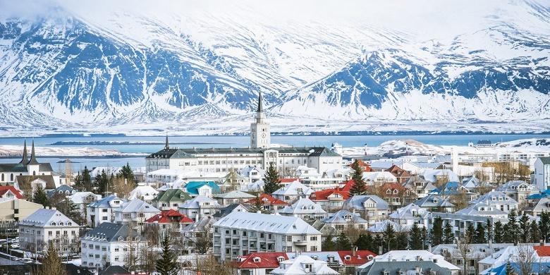 К 2025 году Исландия намерена уменьшить вдвое количество АЗС в столице, а к 2050 году полностью отказаться от ископаемого топлива