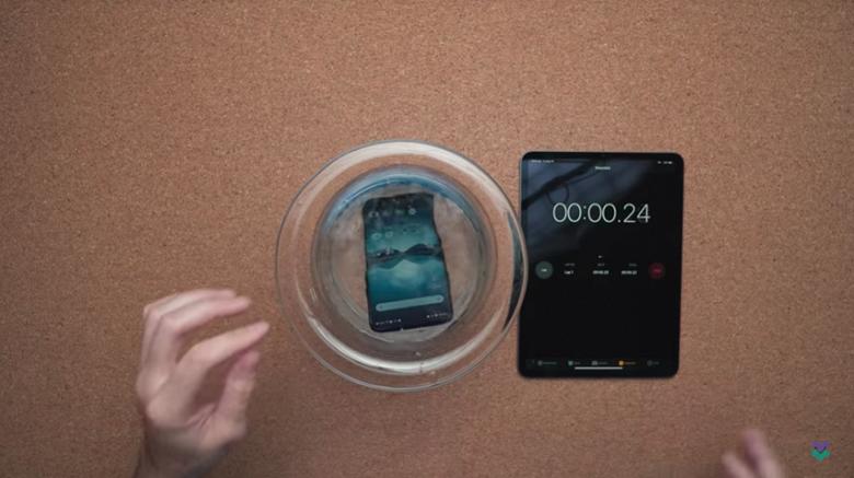 Защита от воды подтверждена. OnePlus 7 Pro продержался в воде 30 минут и продолжил работать