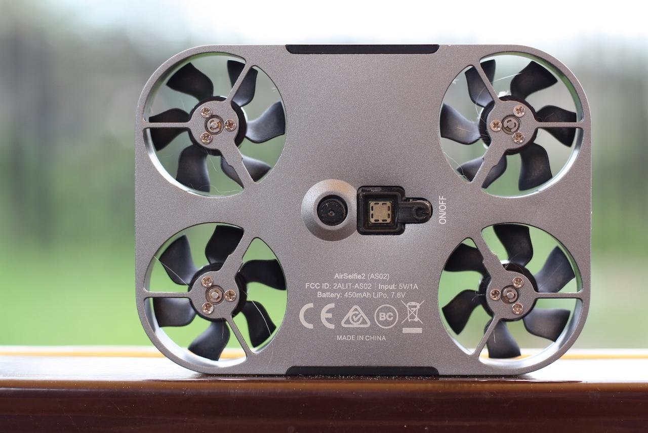 Фотоигрушка для тех, кто любит дроны: коротко про AirSelfie 2 - 6