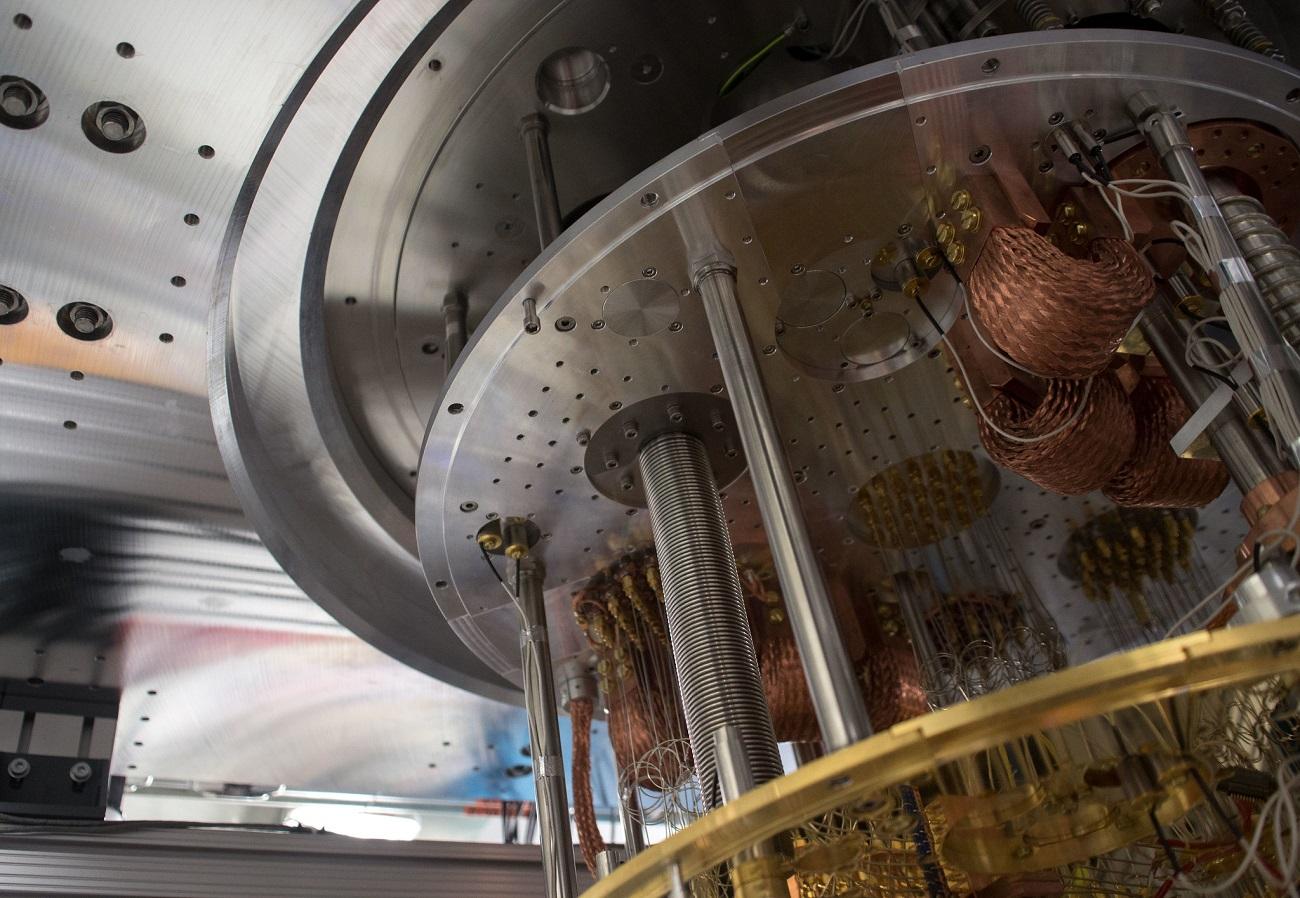 Нехватка гелия может замедлить развитие квантовых компьютеров — обсуждаем ситуацию - 1