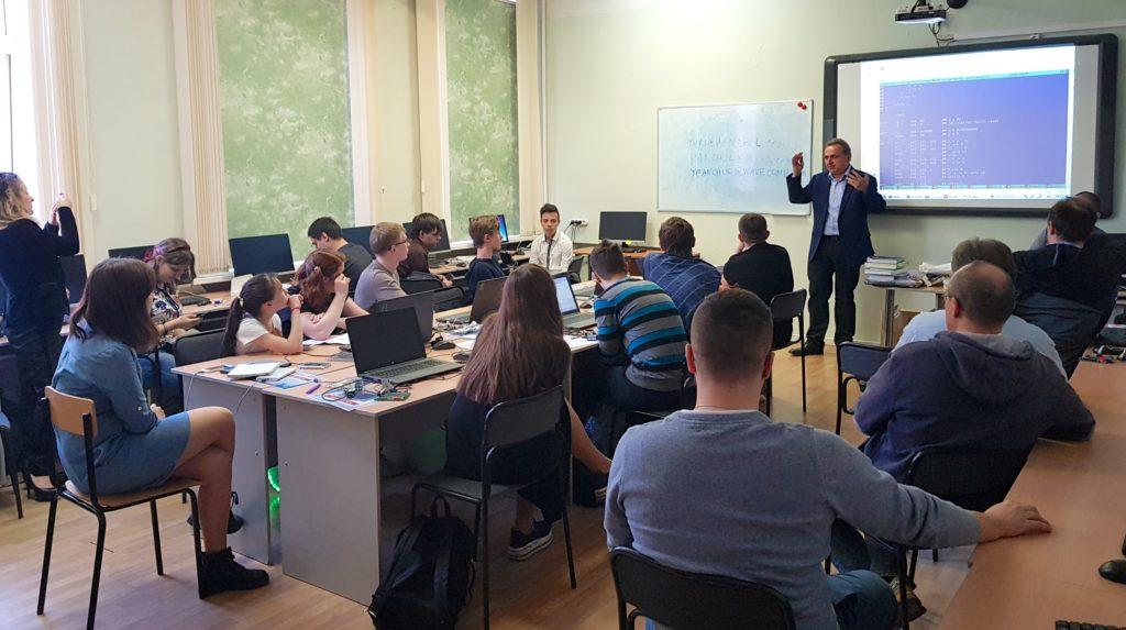 Как я не готовился и провел роснановский семинар по ПЛИС-ам в Москве. Планы сделать то же в Лас-Вегасе и Зеленограде - 1