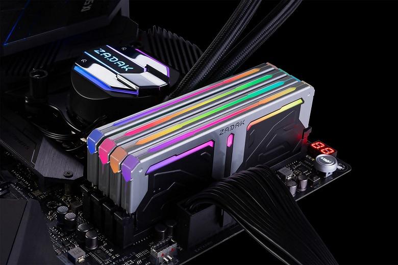 Модули памяти Zadak Spark RGB DDR4 доступны по одному и в наборах объемом до 64 ГБ