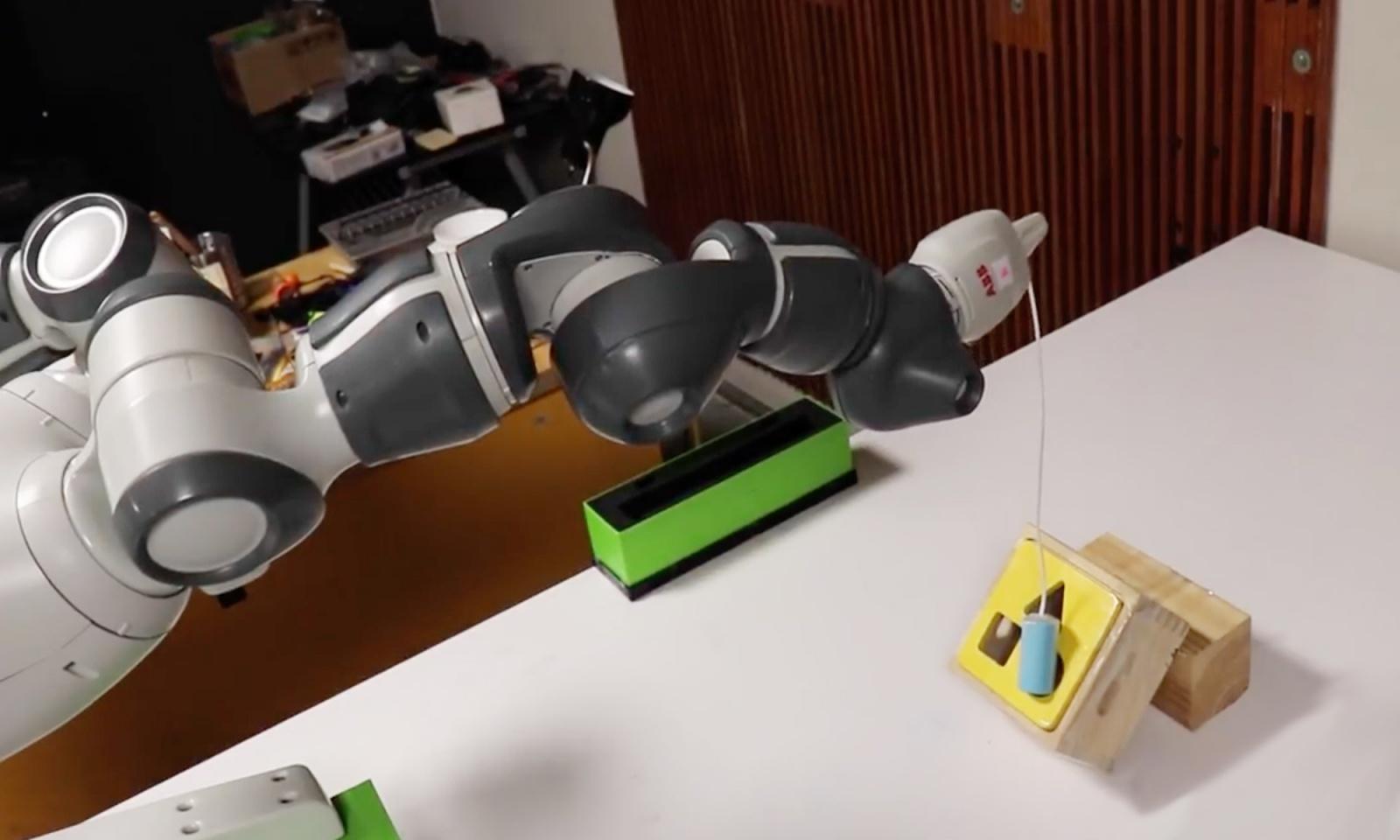 В NVIDIA разработали способ обучения роботов почти без вмешательства человека - 1