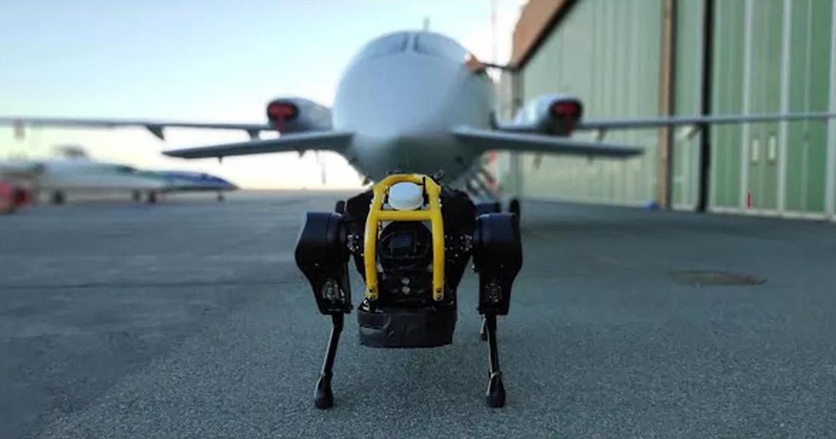 Четырехногий робот смог отбуксировать самолет весом в 3,3 тонны - 1