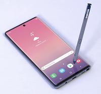 Samsung Galaxy Note10 и Note10 Pro получат одинарные фронтальные камеры, врезанные в экран. Правильный рендер - 1