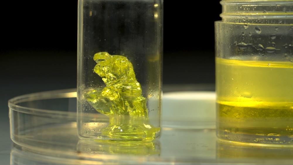 Фотополимерный 3D-принтер из бытового видеопроектора создает объекты без слоев - 9