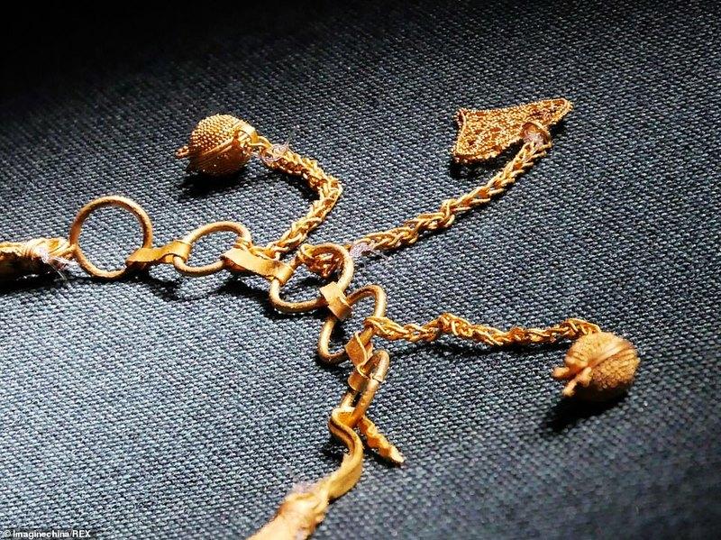 На борту 800-летнего китайского судна найдены уникальные артефакты