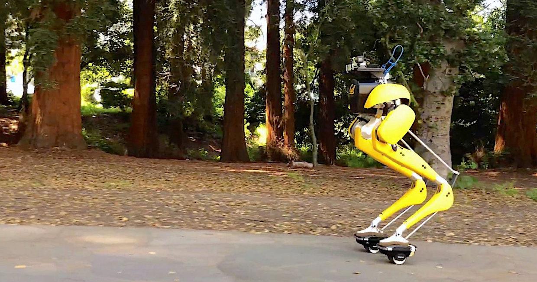 Двуногого робота научили ездить на гиророликах