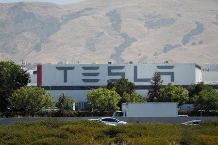 Открыты первые зарядные станции Tesla Supercharger V3