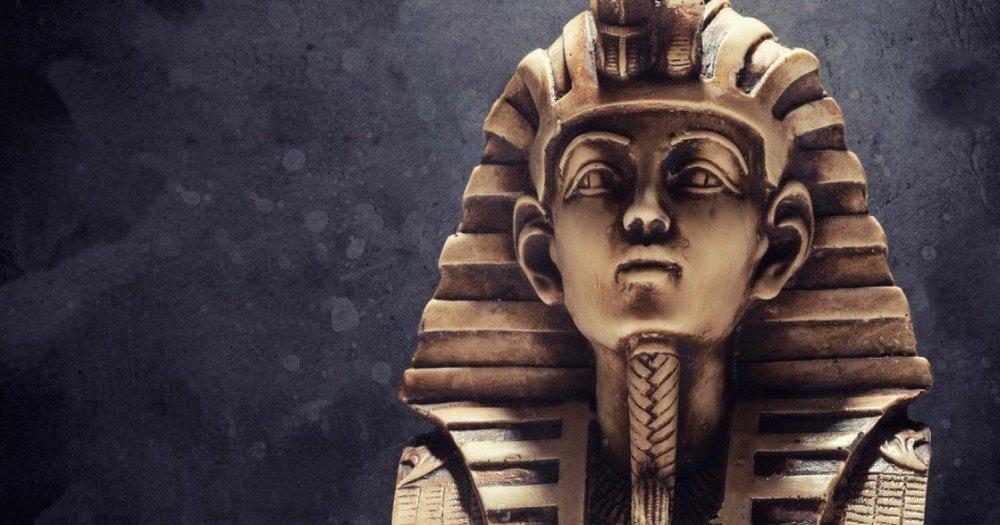 Египет потребует от Великобритании бюст Тутанхамона