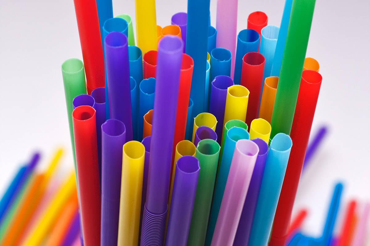 Канада запретит использование одноразового пластика - 1