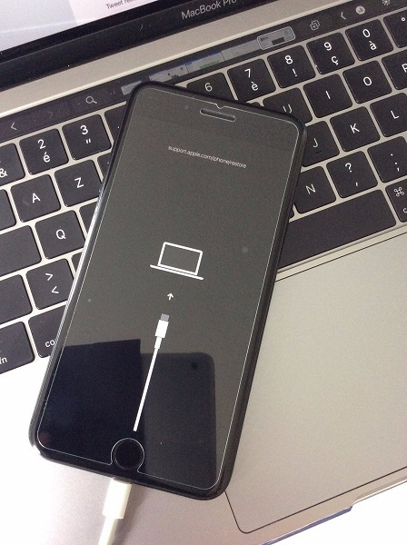 В бета-версии iOS 13 найден намек на то, что смартфон Apple iPhone XI получит USB-C