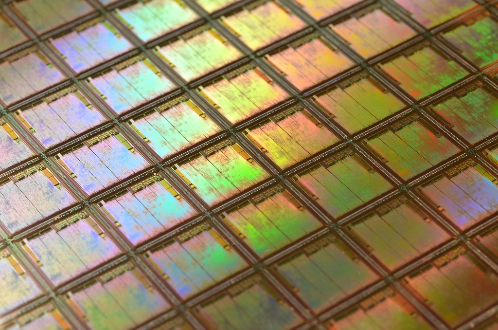 «Преодолевая» закон Мура: транзисторные технологии будущего - 1